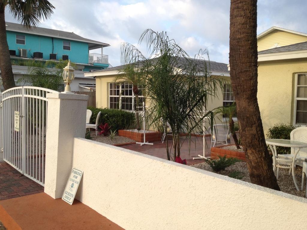 exterior boundary of villas