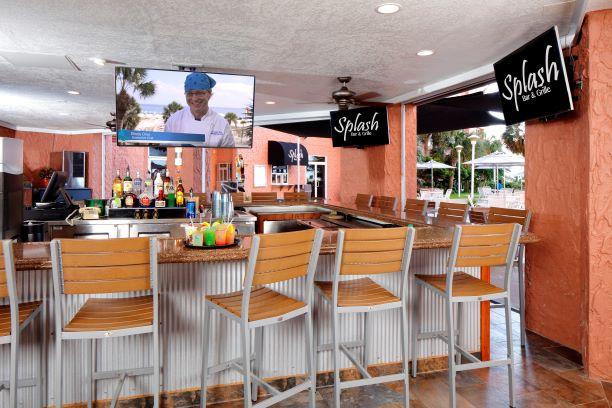 Splash Bar & Grille serving tropical drinks