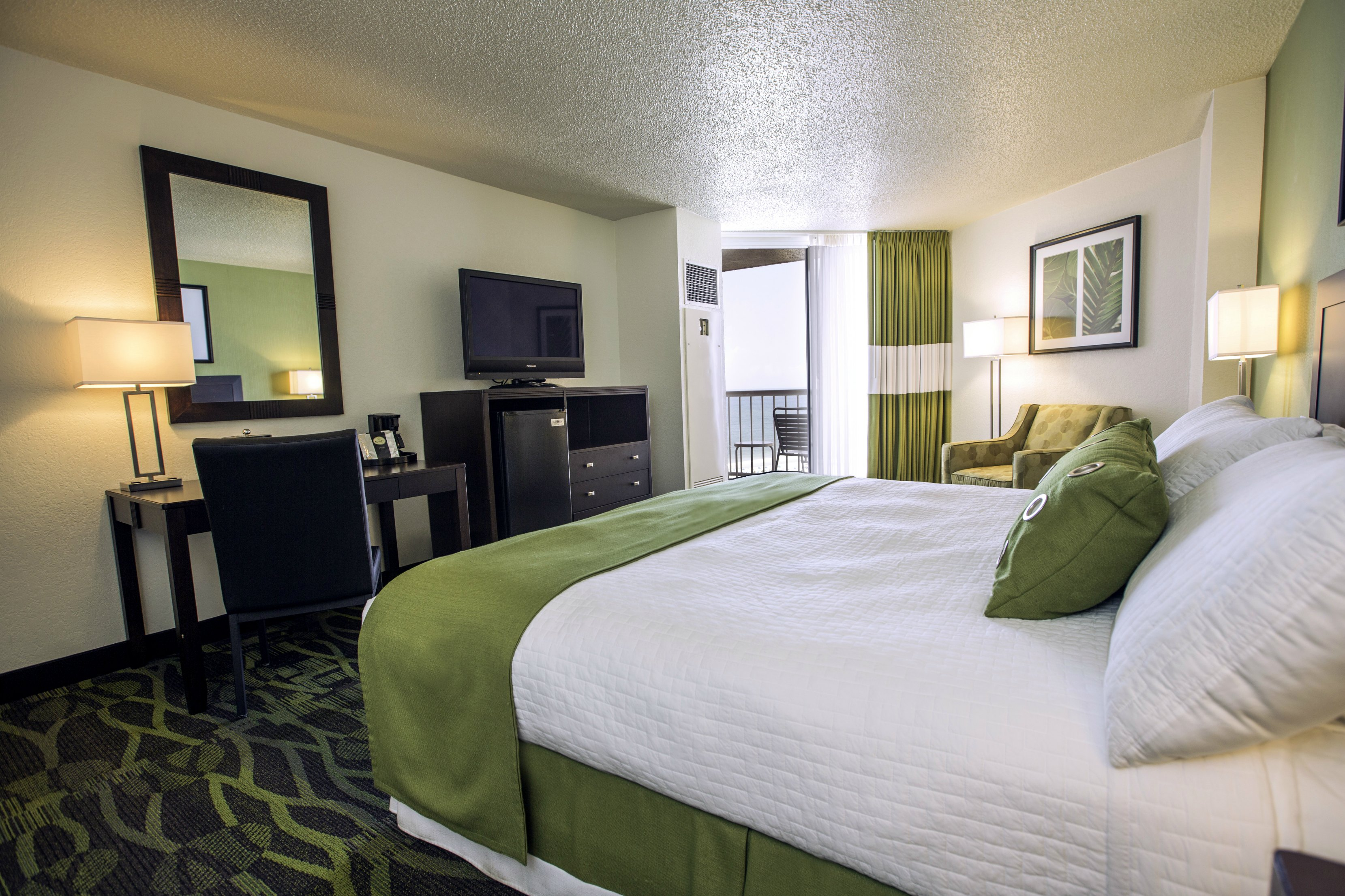 Perdido Beach Angle View Room featuring a King bed