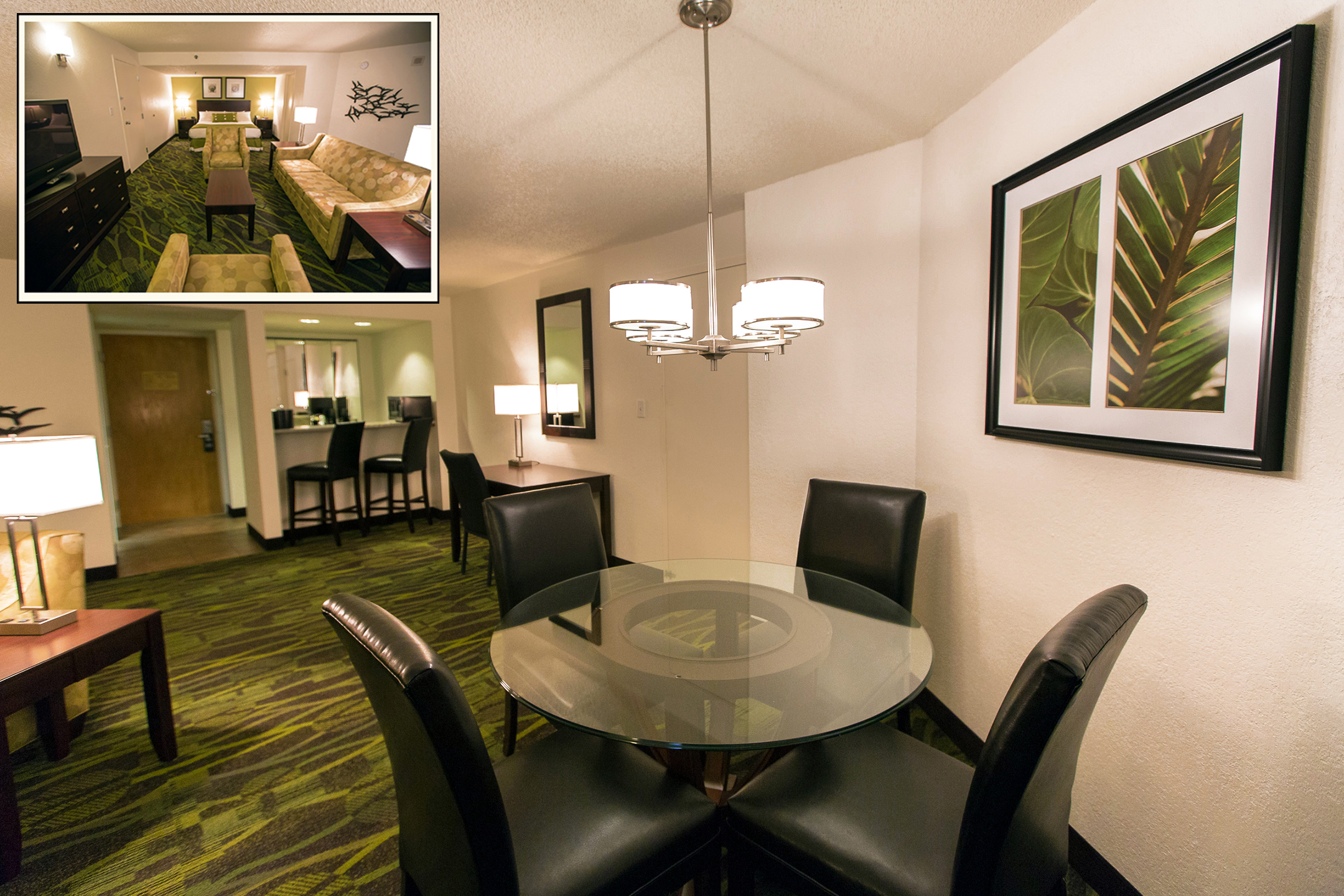 Perdido Beach Courtyard Suite featuring a dining area