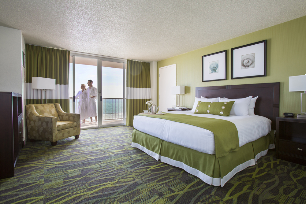 Perdido Beach Gulf View Room featuring a King bed