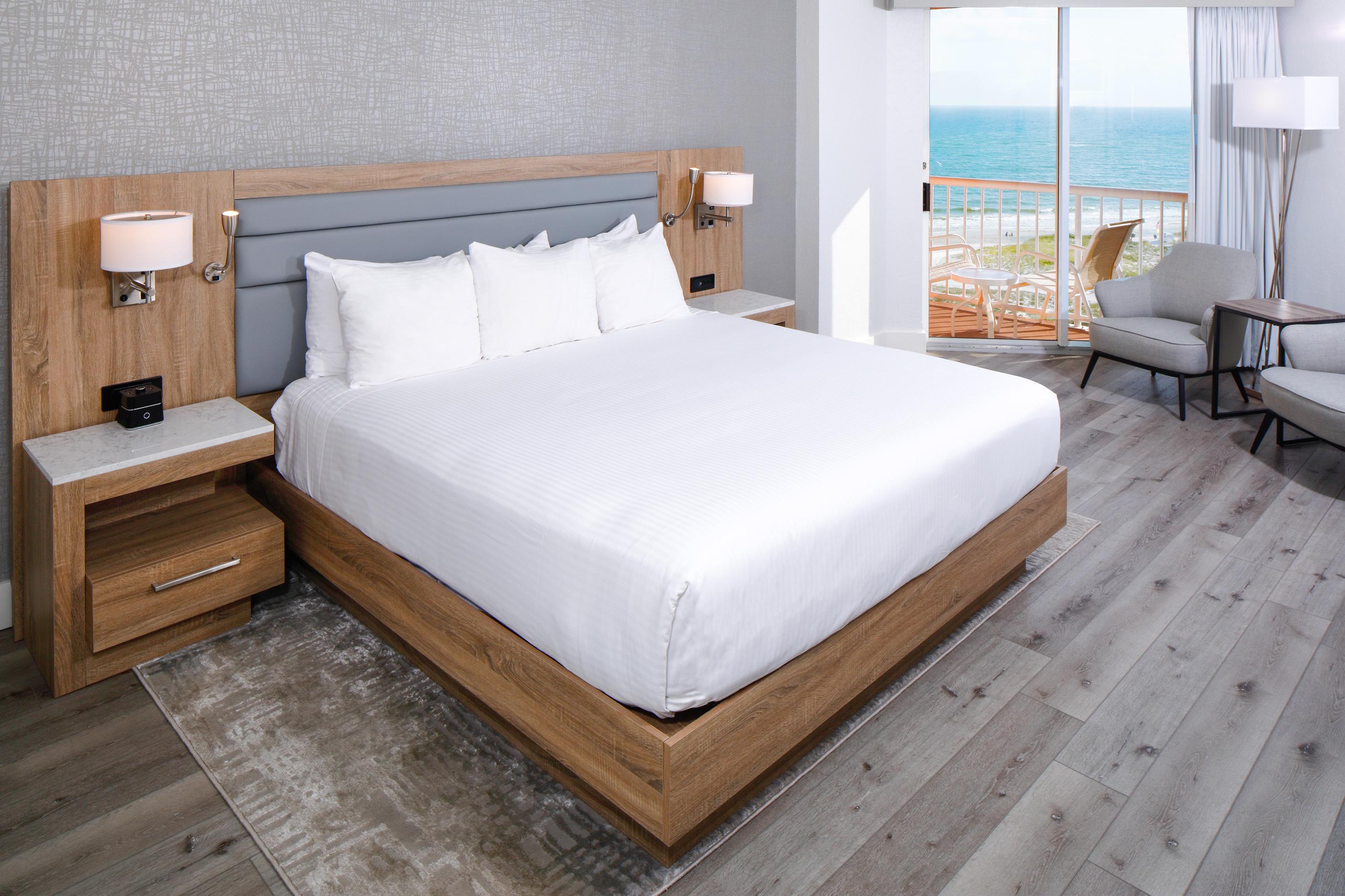 Perdido Beach Beach View Room featuring one king bed