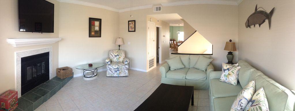 Lafitte Landing Living room