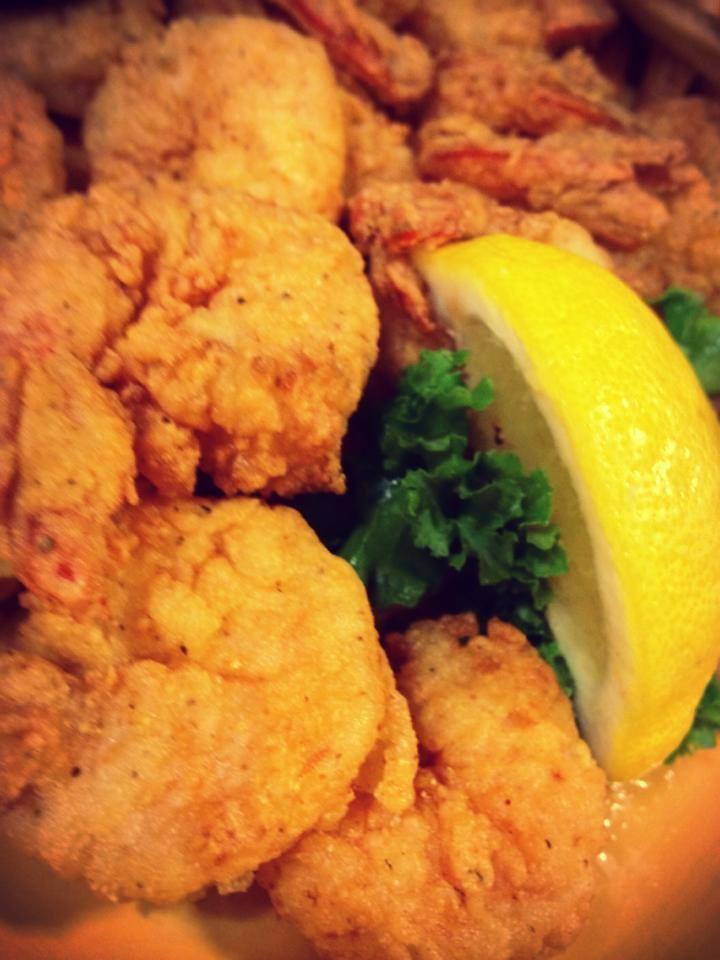 Fried Shrimp with lemon slice