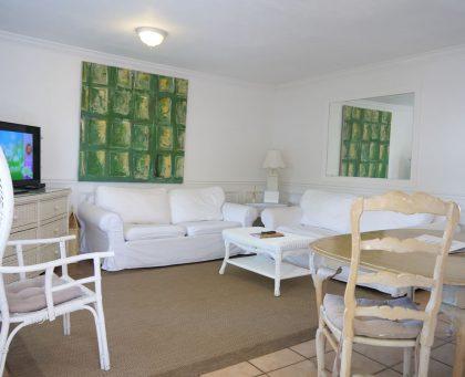 Catamaran Bungalow living room