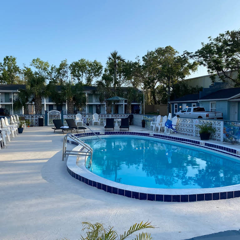 Gulf Coast Inn Pool