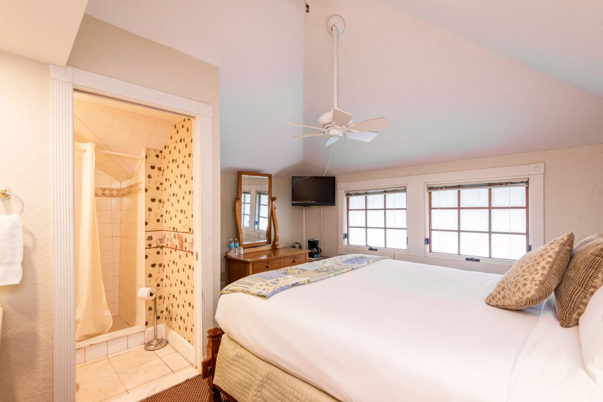 The Irian Jaya Guestroom Bedroom View