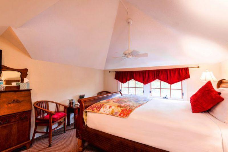 The Calcutta Guestroom Bedroom View