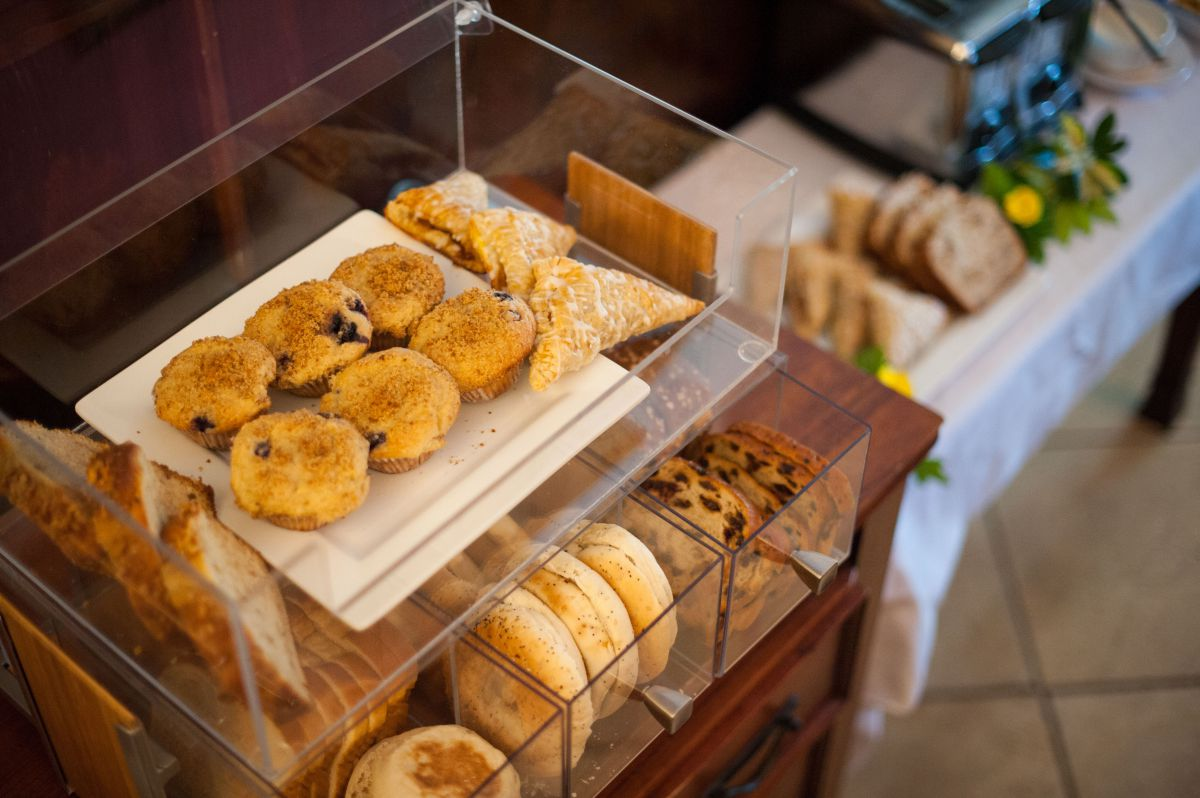 Breakfast Pastries & Confections
