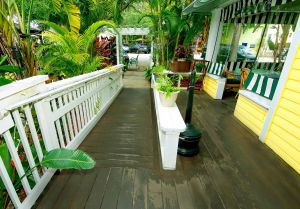 ramp to the front of the inn