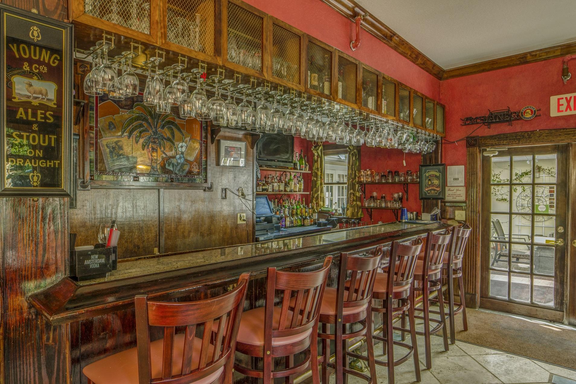 Isabelle's bar interior