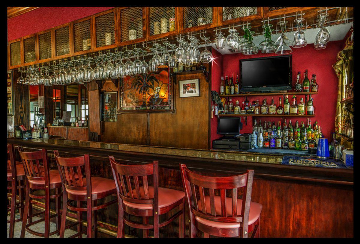 Isabelle's bar