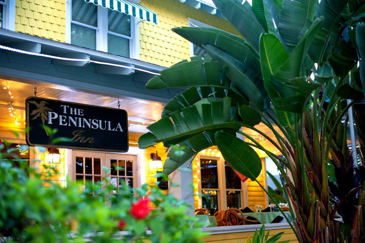 Historic Peninsula Inn Front Porch