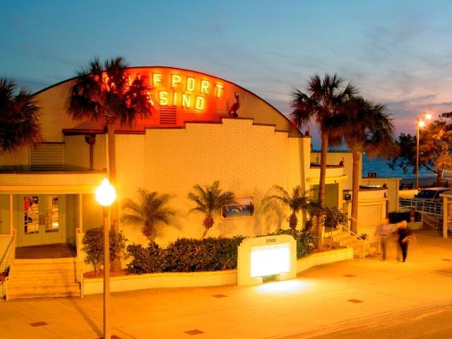 Gulfport Casino Entrance