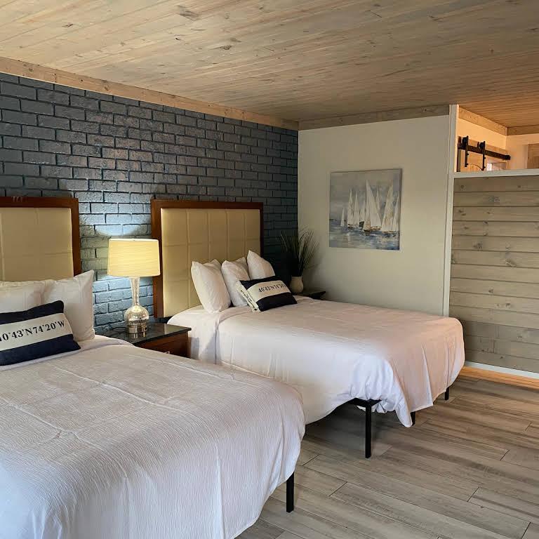 Gulf Coast Inn Beds Alternate View