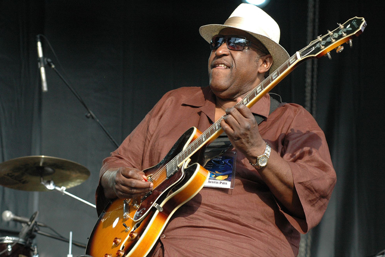 Joey Gilmore playing guitar