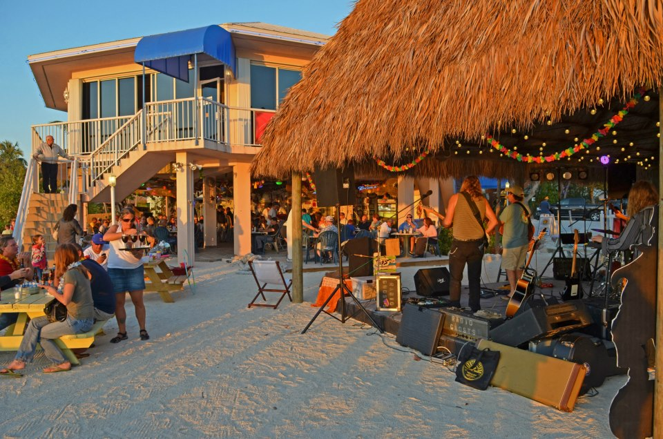 Guests enjoying music at the Sunset Bar