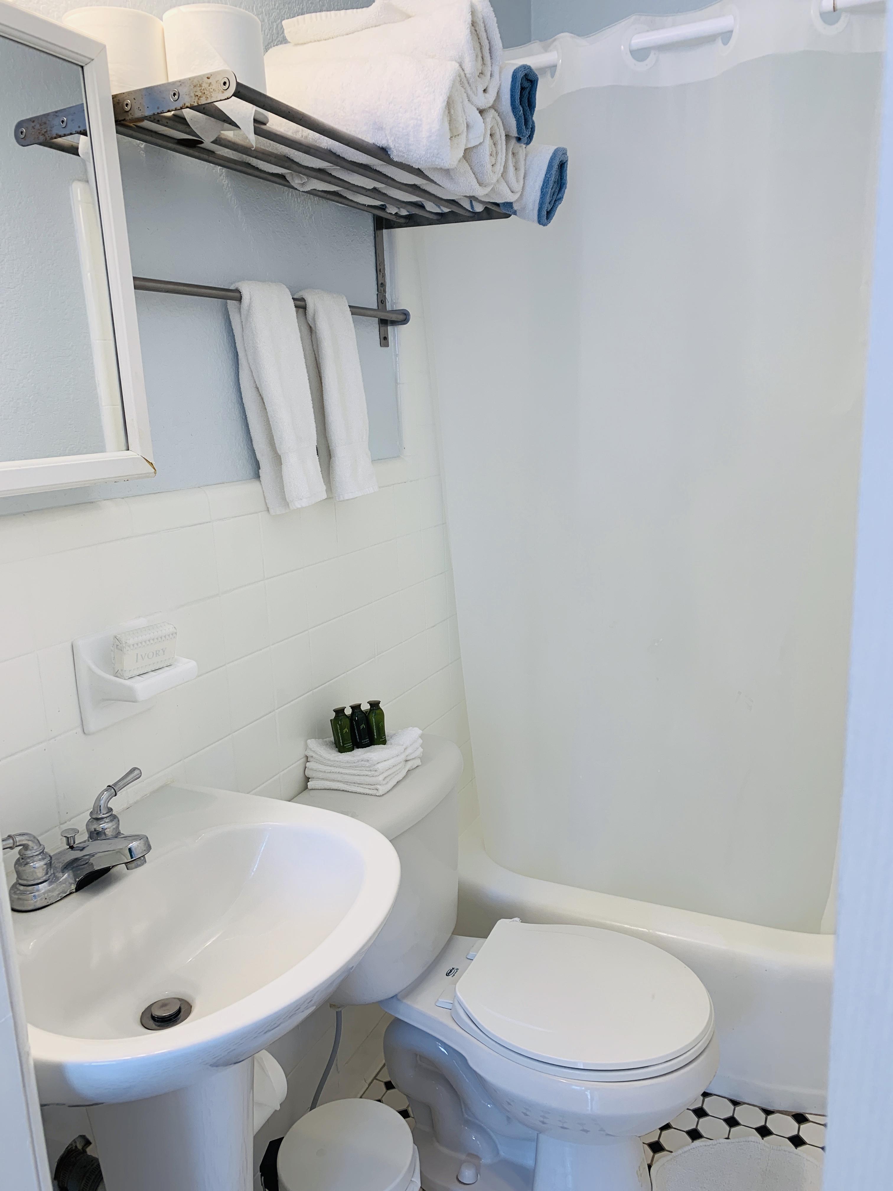Unit 4 Studio Bathroom