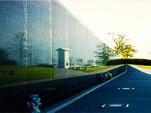 Wall South Vietnam Memorial reflecting the WWI Monument