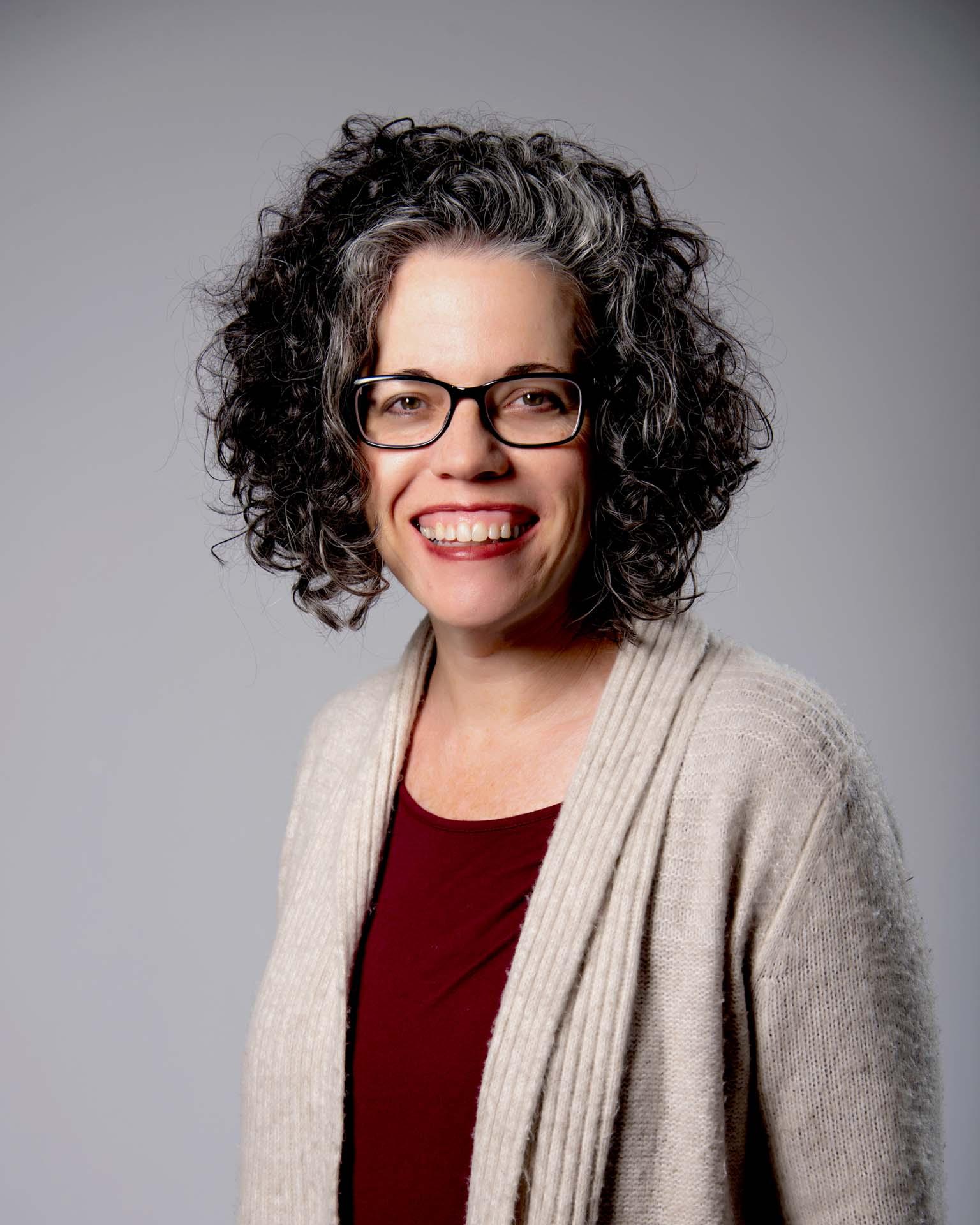 Lisa Hutcheson Headshot