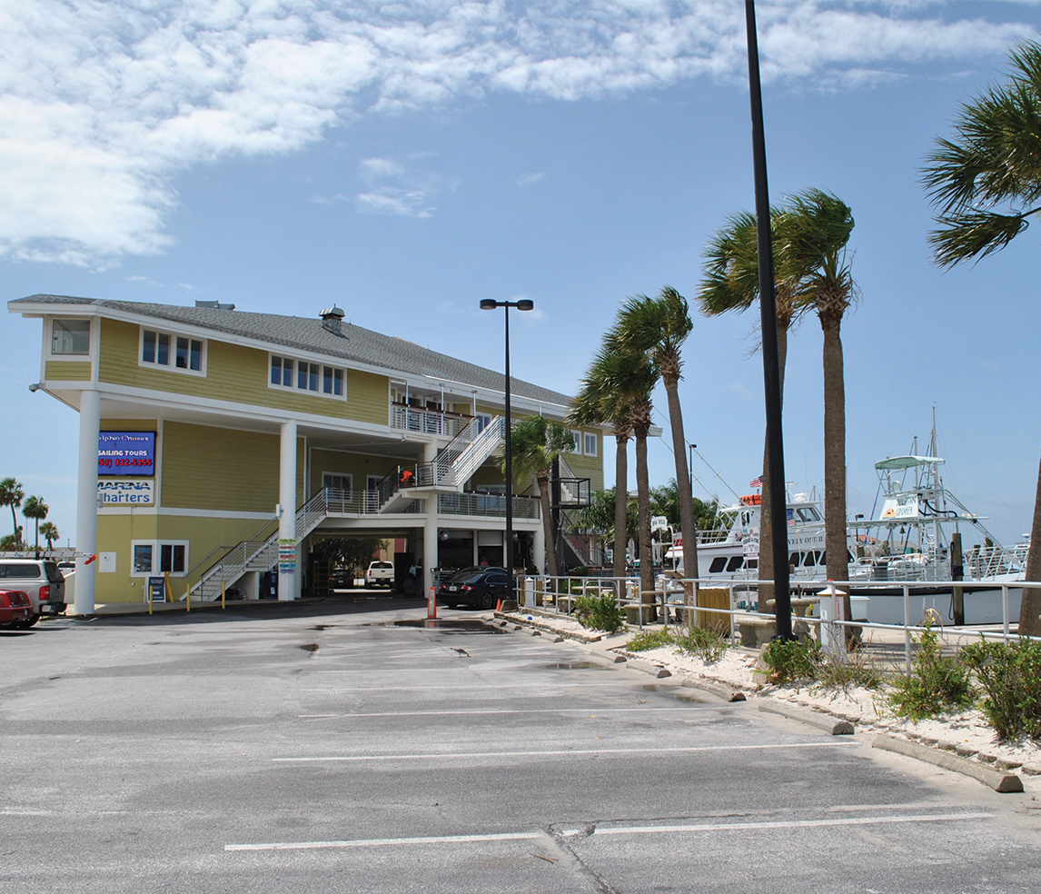 picture of the pensacola beach marina