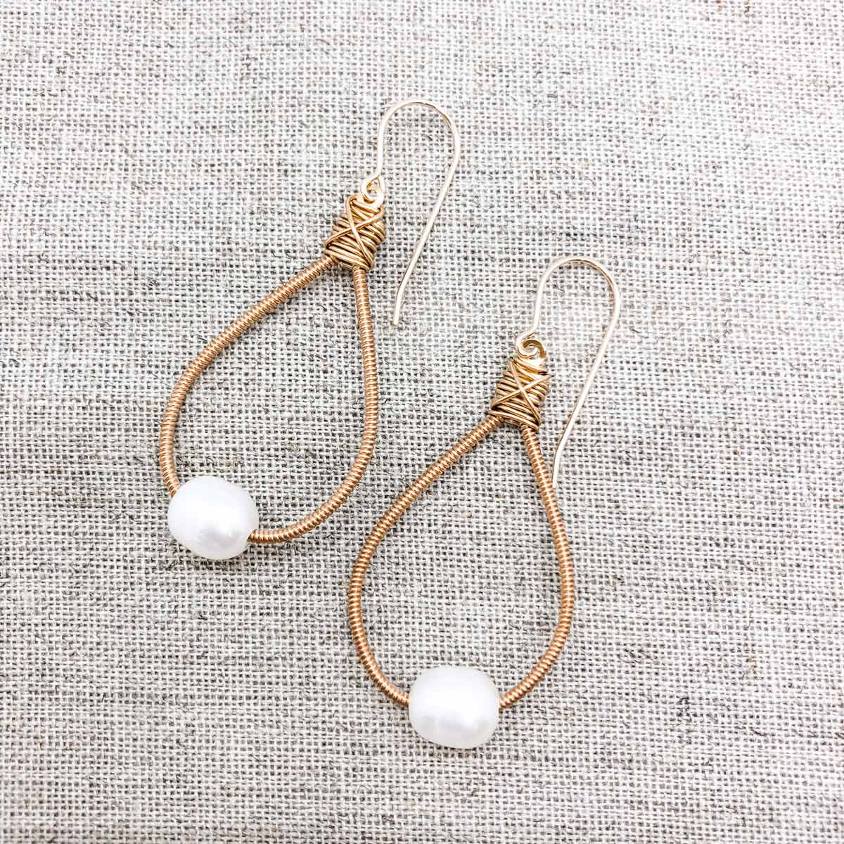 Earring with added bead - Simple drop gemstone - Gold